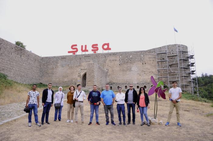 Los periodistas de Japón, España, Italia, Bulgaria y Jordania visitan Shusha