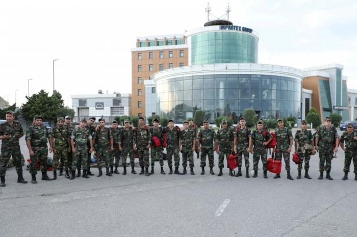 El segundo equipo de bomberos y rescate de Azerbaiyán parte rumbo a Turquía