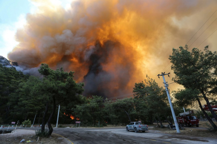 Forest fires rage in Turkey's south –   PHOTOS