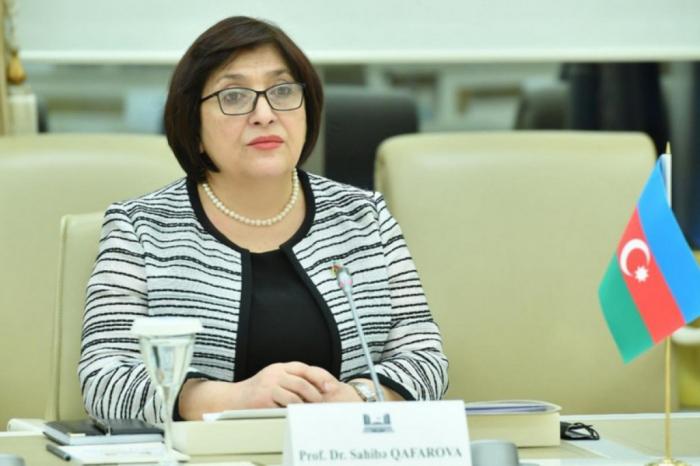 La presidenta del parlamento azerbaiyano se va a Irán