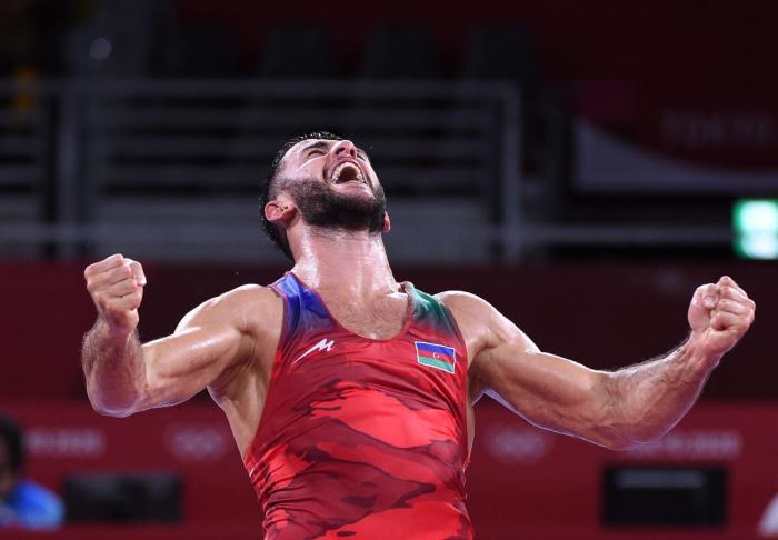 Luchador azerbaiyano gana bronce en los Juegos Olímpicos de Tokio 2020