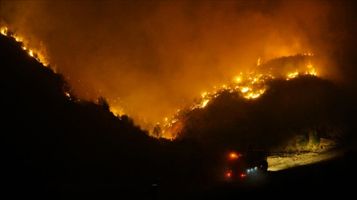 Fire reaches more residential areas of southern Turkey