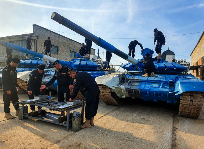 Azerbaijani tankers participating in int'l contest check technical state of combat vehicles