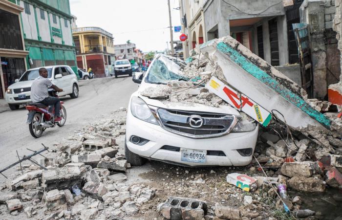 Death toll from powerful quake in Haiti reaches nearly 2,000