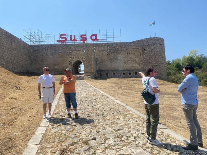 Latin American journalists visit Azerbaijan