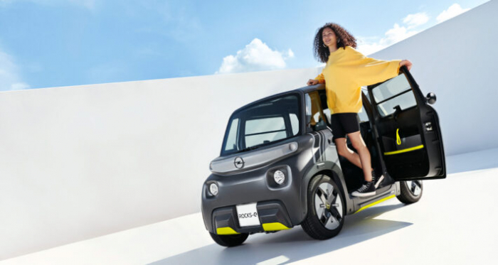 """""""Opel"""" yeni elektrik avtomobili    """"Opel Rocks-e""""ni təqdim etdi"""