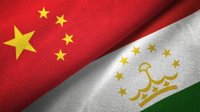 """Pekinin Tacikistandakı    """"yumşaq gücü"""""""