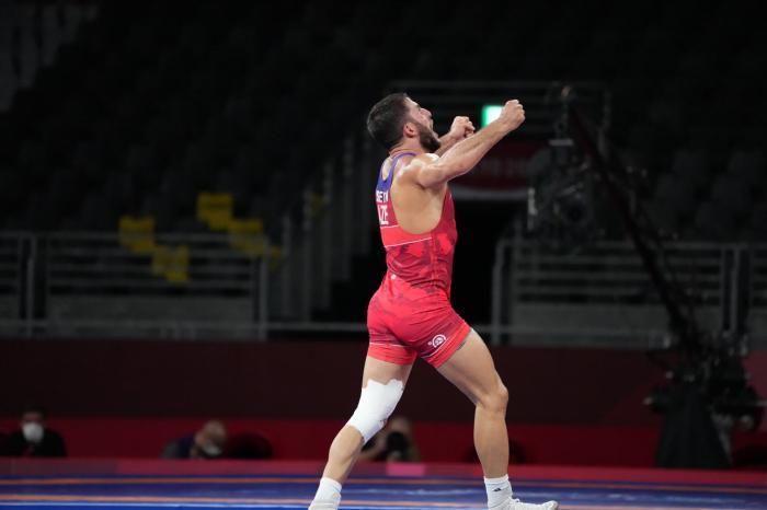 Un lutteur azerbaïdjanais remporte le bronze aux Jeux Olympiques de Tokyo 2020