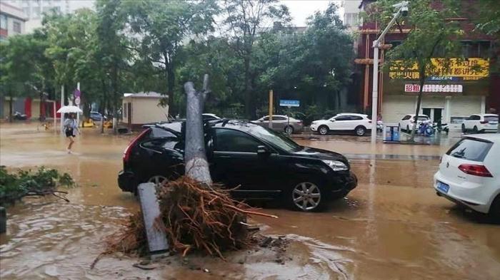 Plus de 300 morts et 50 disparus dans les inondations de juillet en Chine
