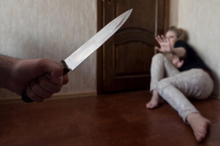 Həyat yoldaşını bıçaqlayan Masallı sakini saxlanılıb