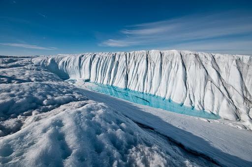 Qrenlandiya buzlağına ilk dəfə yağış yağıb