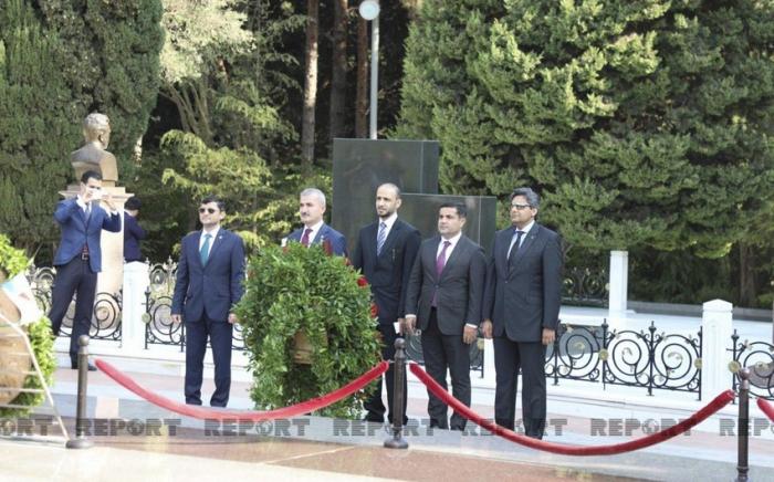 Des membres de la mission internationale d