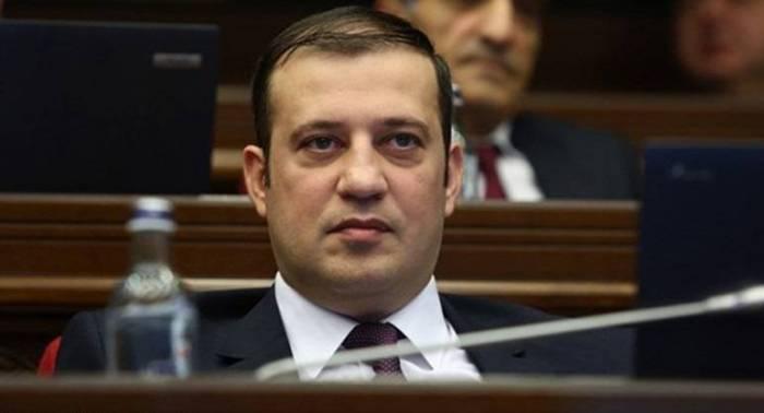 """""""Əvvəlki ordunu qurmağımız üçün yüz illər lazım gələcək""""-   Babayan"""