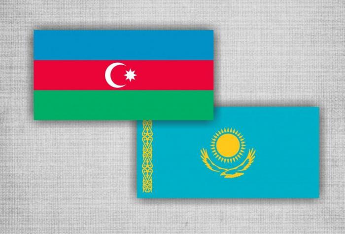 Aserbaidschan und Kasachstan beabsichtigen, den Warentransit entlang internationaler Korridore zu fördern