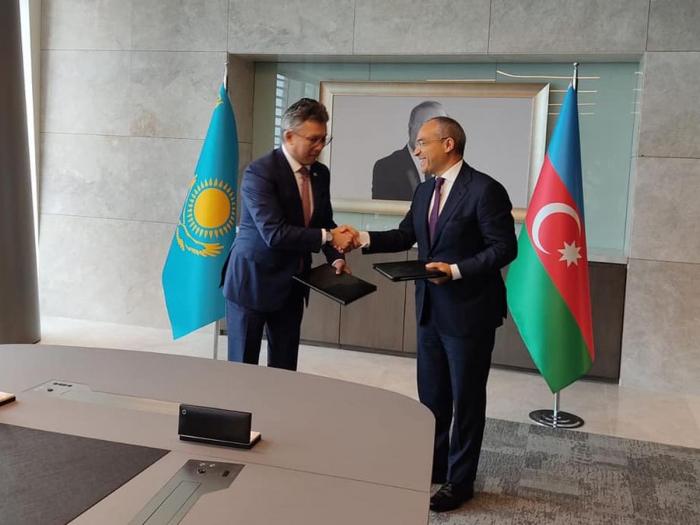 Kasachstan und Aserbaidschan unterzeichnen interministerielles Memorandum zur Handelskooperation