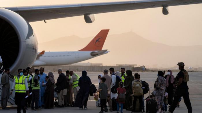 Erster Zivilflug - 15 Deutsche aus Kabulevakuiert