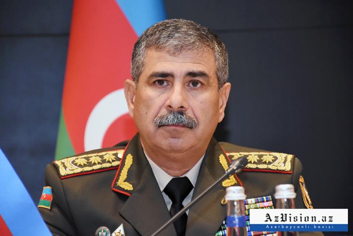 Zakir Hasanov traf sich mit dem Kommandanten der russischen Friedenstruppen