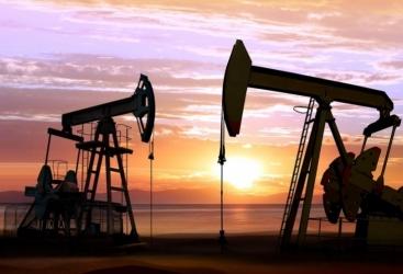 حجم استخراج النفط الخام اليومي في أذربيجان كان 1ر596 الف برميل