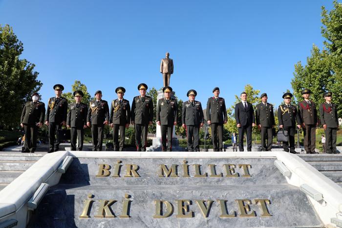 Chief of Azerbaijani General Staff visit Heydar Aliyev Park in Ankara