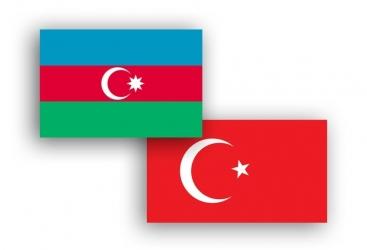 رئيس الاركان العامة الأذربيجاني يلتقي بخلوصي أقار