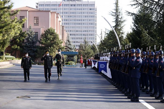 Los Jefes de Estado Mayor de Azerbaiyán y Turquía se reúnen en Ankara