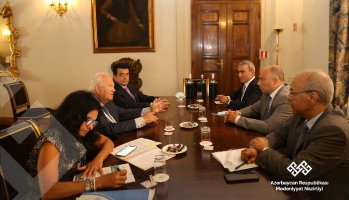 El ministro de Cultura azerbaiyano está de visita en Bolonia