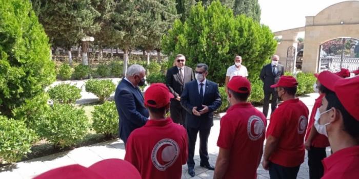 اعضاء جمعية أذربيجان للهلال الاحمر يزورون كاراباخ
