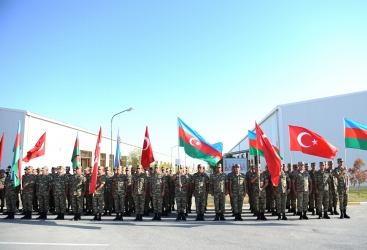من بيراكاشكول الى محافظة قوبوستان:   مسيرة عسكرية احتفاء بذكرى يوم تحرير باكو من الاحتلال