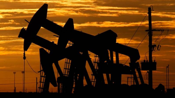 Oil prices continue to grow on world markets