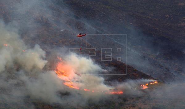 Moreno anuncia que el incendio de Málaga se ha dado por controlado