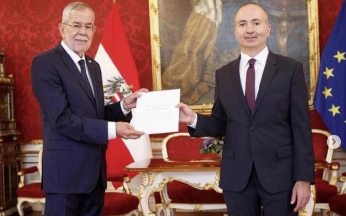El embajador azerbaiyano se reúne con el presidente de Austria