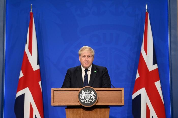 El Reino Unido planea aplicar una tercera dosis de refuerzo contra el coronavirus para mayores de 50 años