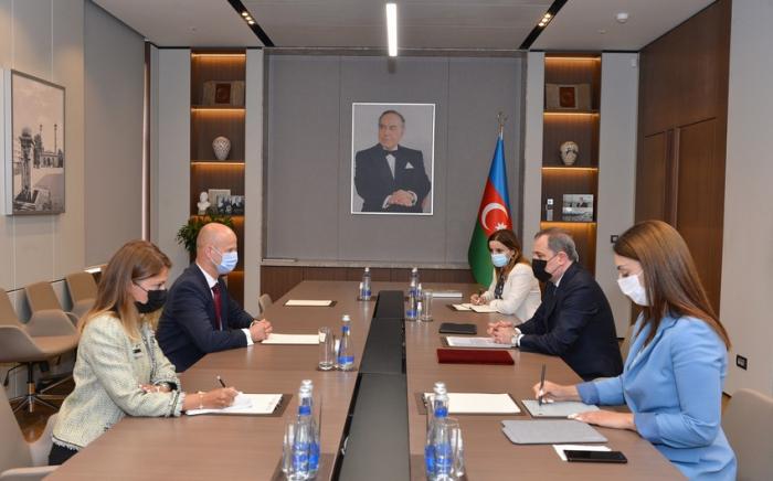 Jeyhun Bayramov recibe al nuevo representante de la UE