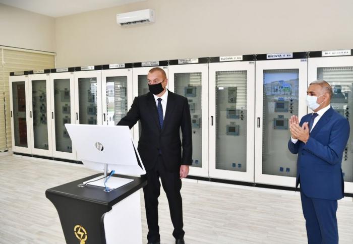 """Präsident Ilham Aliyev nimmt an der Eröffnung des Umspannwerks """"Buzovna-1"""" im Bezirk Chazar teil"""