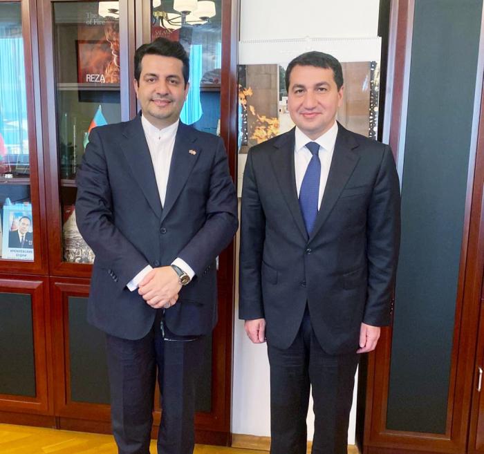 Hikmet Hajiyev se reúne nuevamente con el embajador iraní