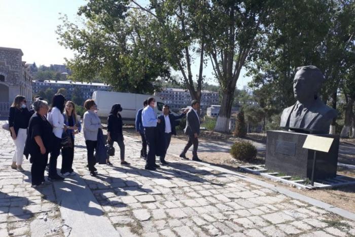 La delegación de la Asociación de Defensores del Pueblo de los Estados miembros de la OCI visita Shusha