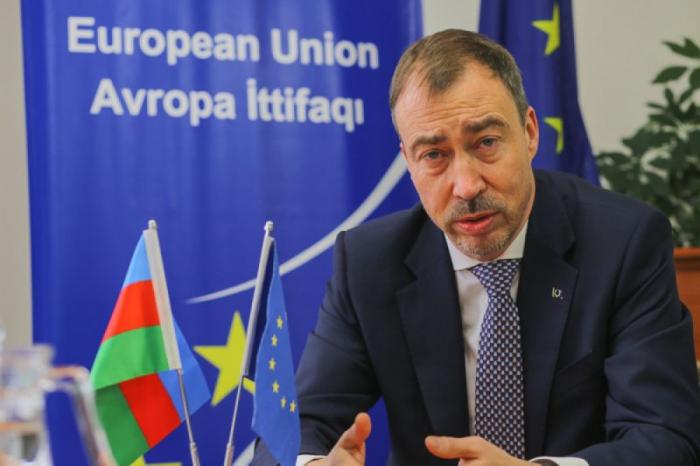 El Representante Especial de la UE para el Cáucaso Meridional se va a Aghdam