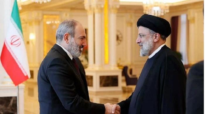 Pashinián y Raisi realizan una reunión en Dushanbe