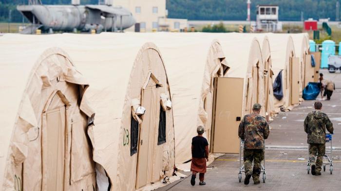 Tausende Afghanen auf US-Stützpunkt Ramstein werden gegen    Masern geimpft