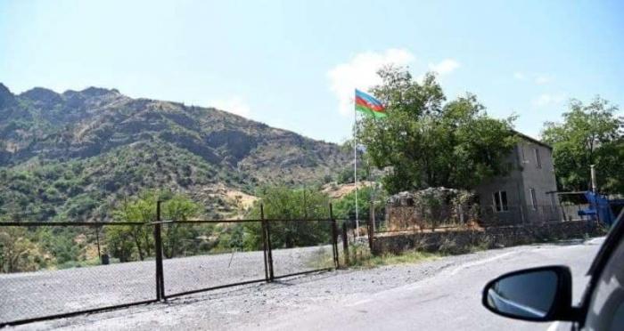 Zwei armenische Bürger überqueren Aserbaidschan