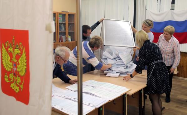 El partido del Kremlin mantiene el liderazgo tras el recuento del 60 % de los votos