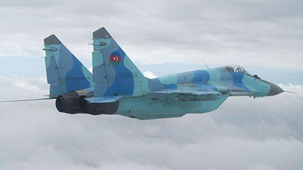 Los cazas deFuerzade DefensaAérea de Azerbaiyán sobrevolarán elBósforo