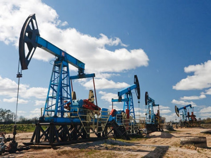 Le prix du pétrole azerbaïdjanais termine en baisse
