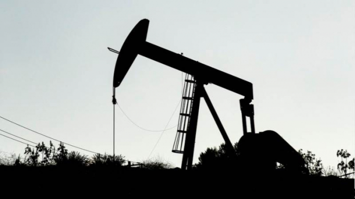Oil prices climb on world markets