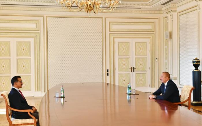 Ilham Aliyev recibió al presidente del grupo de empresas DP World