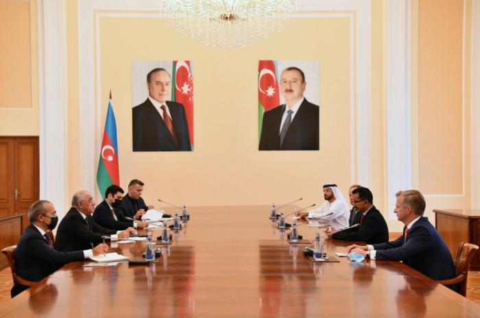 """Premierminister Asadov trifft Vorsitzenden und CEO von """"DP World"""" Sultan Ahmed Bin Sulayem"""