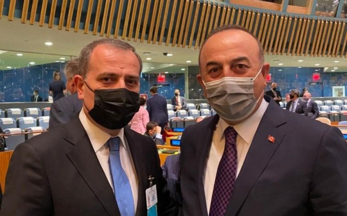 Azerbaijani FM meets his Turkish counterpart in New York