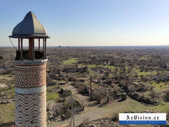 Iranische Delegation besuchtden aserbaidschanischen Bezirk Agdam