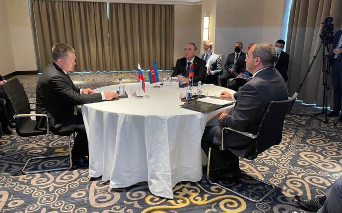 Les procureurs généraux azerbaïdjanais, russe et arménien se réunissent à Noursoultan
