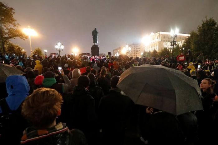 Rusia: los opositores se reunieron en una coalición contra el resultado electoral de las legislativas
